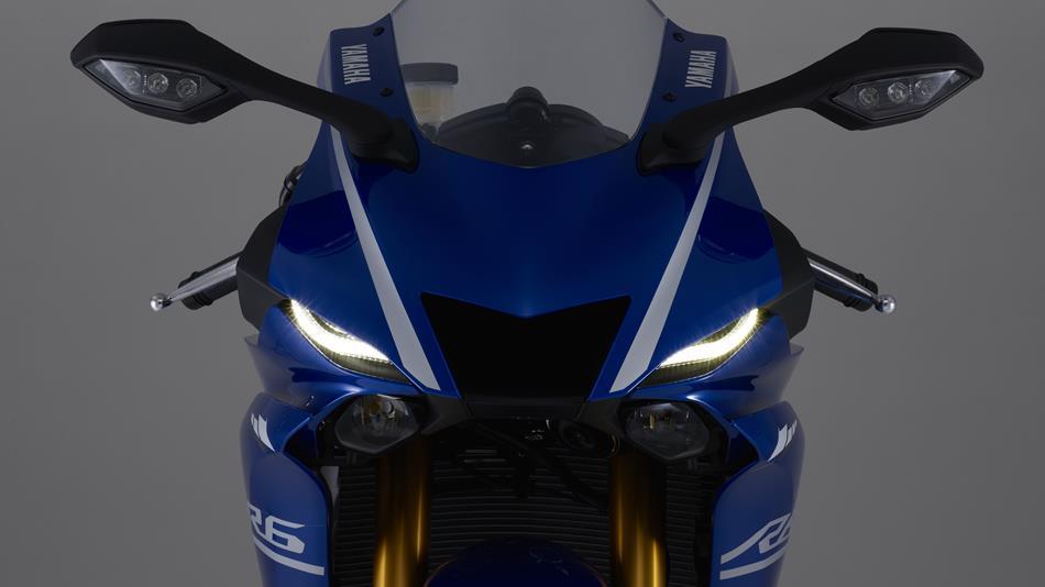 2017-yamaha-yzf-r6-eu-race-blu-detail-001
