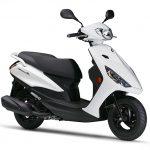 ヤマハから新しい125ccスクーター アクシスZ発売です。